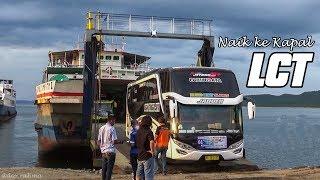 Proses naik turun Truk dan Bus dari Kapal LCT di Pelabuhan Gilimanuk