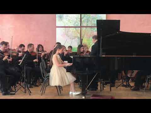 Концерт #23 Ля мажор- В.А.Моцарт в исполнении Дорош Софии