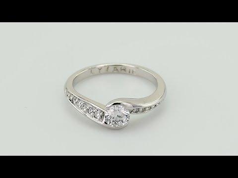 d468db404e2 Remix Zásnubní prsten s diamanty Lytarie - Eppi - vovoclip.com