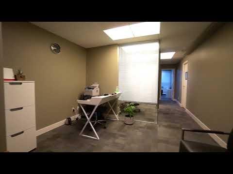 Dundarave Terrace: 2419 Bellevue Avenue