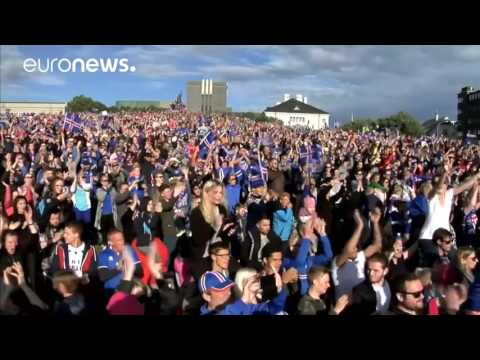 1000s of Iceland fans welcome football heroes home with Viking clap