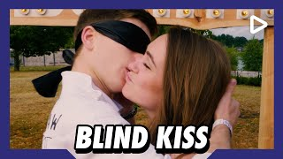 'Hij is veel te jong!' – Blind Kiss | SLAM!