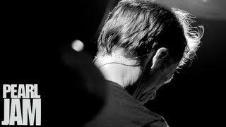 "Matt Cameron Drums to ""Mind Your Manners"" - Lightning Bolt Vignette - Pearl Jam"