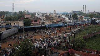 Mais de 20 mortos em descarrilamento na Índia