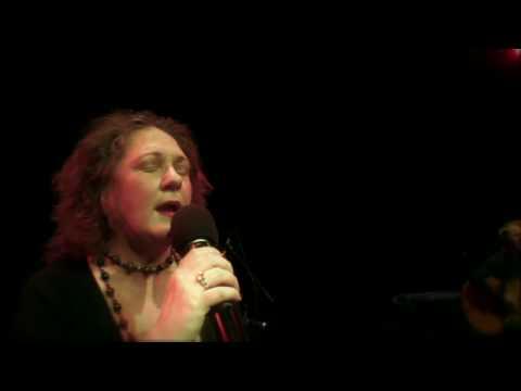 Amanda Strydom – Slippers van Satyn (live)