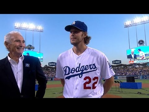 COL@LAD: Koufax, Kershaw introduced at ceremony