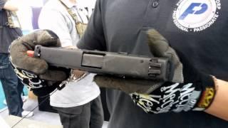 tadte 2015 力富股份有限公司 展出 beretta apx 手槍