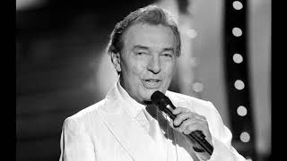 The Czech pop singer Karel Gott is dead