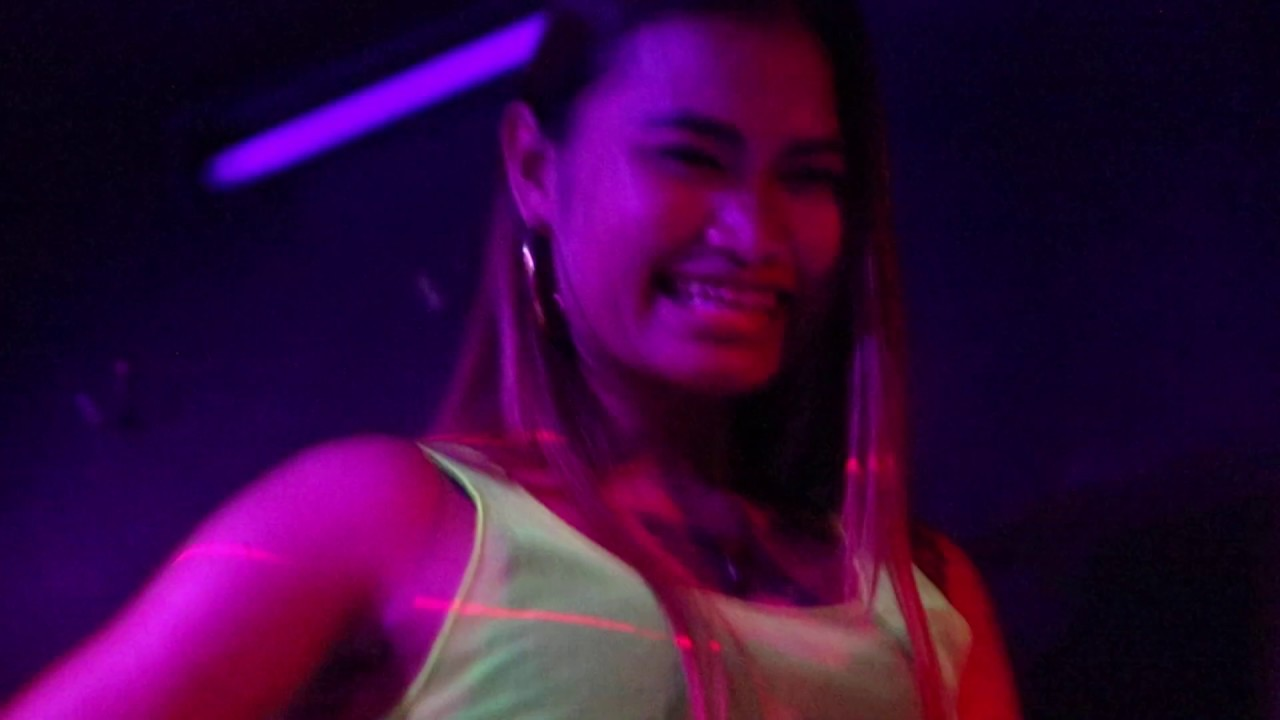Golden Time Club in Soi Buakhao Pattaya - YouTube