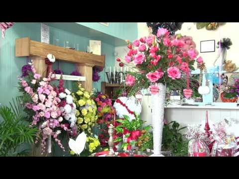 Wow! Wallace Flowers & Gifts 30 sec TV Commercial Pine Bluff, AR