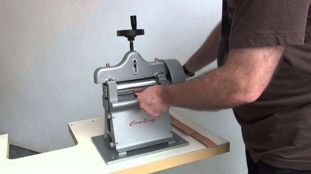 machine refendre le cuir outils pour le travail du cuir youtube. Black Bedroom Furniture Sets. Home Design Ideas