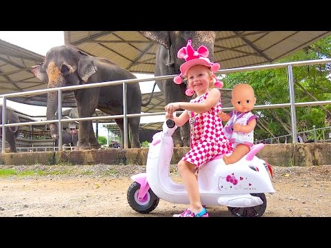 Baby rides and plays at the zoo Funny video for kids