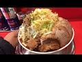 二郎系インスパイアのラーメンタロウで大ラーメンW肉入り+野菜増し増し+削り節