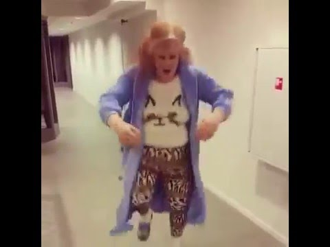7966fa8d12 Bathrobe dance in a psychiatric ward!!! - YouTube