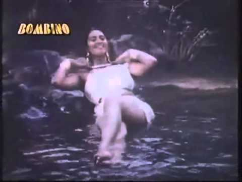 YogitaSingh Bathing Wet Boobs Shehzadi divx thumbnail