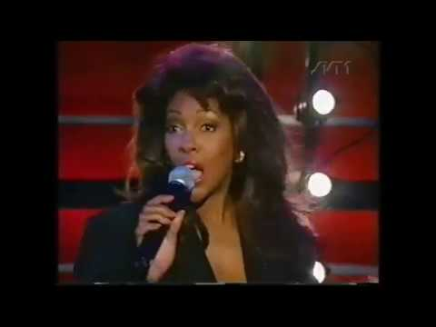 Mary Wilson  You Keep Me Hanging On