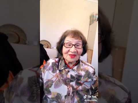 Tik Tok Nenek Lucu Banget Haha...