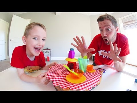 Father & Son PLAY CRAZY CAFE! / Don't Break The Dishes!