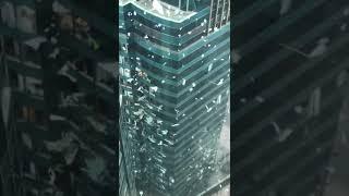 [超天氣] 超強颱風山竹突襲香港,紅磡海濱廣場吹爆玻璃