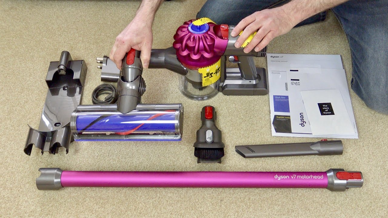 dyson v7 motorhead cordless vacuum cleaner first look. Black Bedroom Furniture Sets. Home Design Ideas