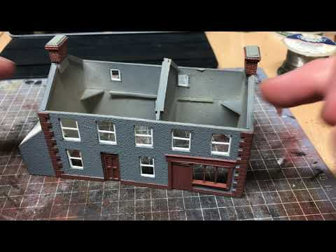 Building A OO Gauge Model Railway: Scratch Build Series – 1.8 Fitting The Roof