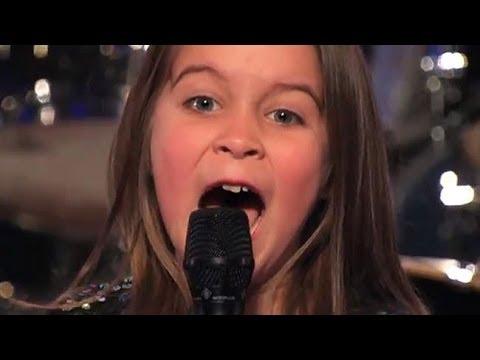 Une fille de SIX ANS à chanter dans la musique HEAVY METAL at Amérique a du talent