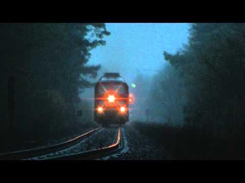 BR 232 2402 Ludmilla mit lange Kesselzug, Lichthupe und Kolomna Sound hinter Passow im regen HD