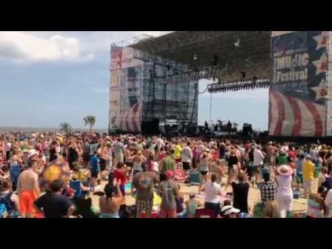 LONGREEF - She Likes The Ladies - Live @ American Music Festival Virginia Beach