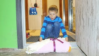 КАК МАЛЬЧИКИ играют в КУКЛЫ? БЕБИ БОРН девочка Катя // Video with baby doll for children