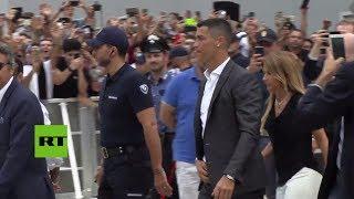 Cristiano Ronaldo es recibido como un héroe por los fans de la Juventus