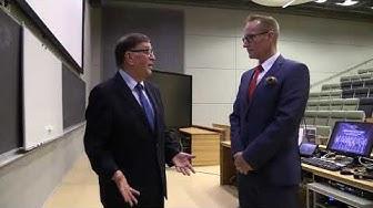 Miksi suomalainen politiikka tarvitsee Seitsemän tähden liikettä, Paavo Väyrynen?