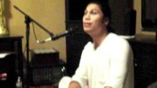 Hari Bhakti Super Cool Intro to song...w/Vijay Krsna playing the tabla