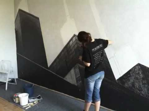 Wandmalerei hannovers kraftwerk im wohnzimmer der for Raufasertapete grau