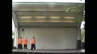 Talent show in Springfield, OR Shen chien school kids