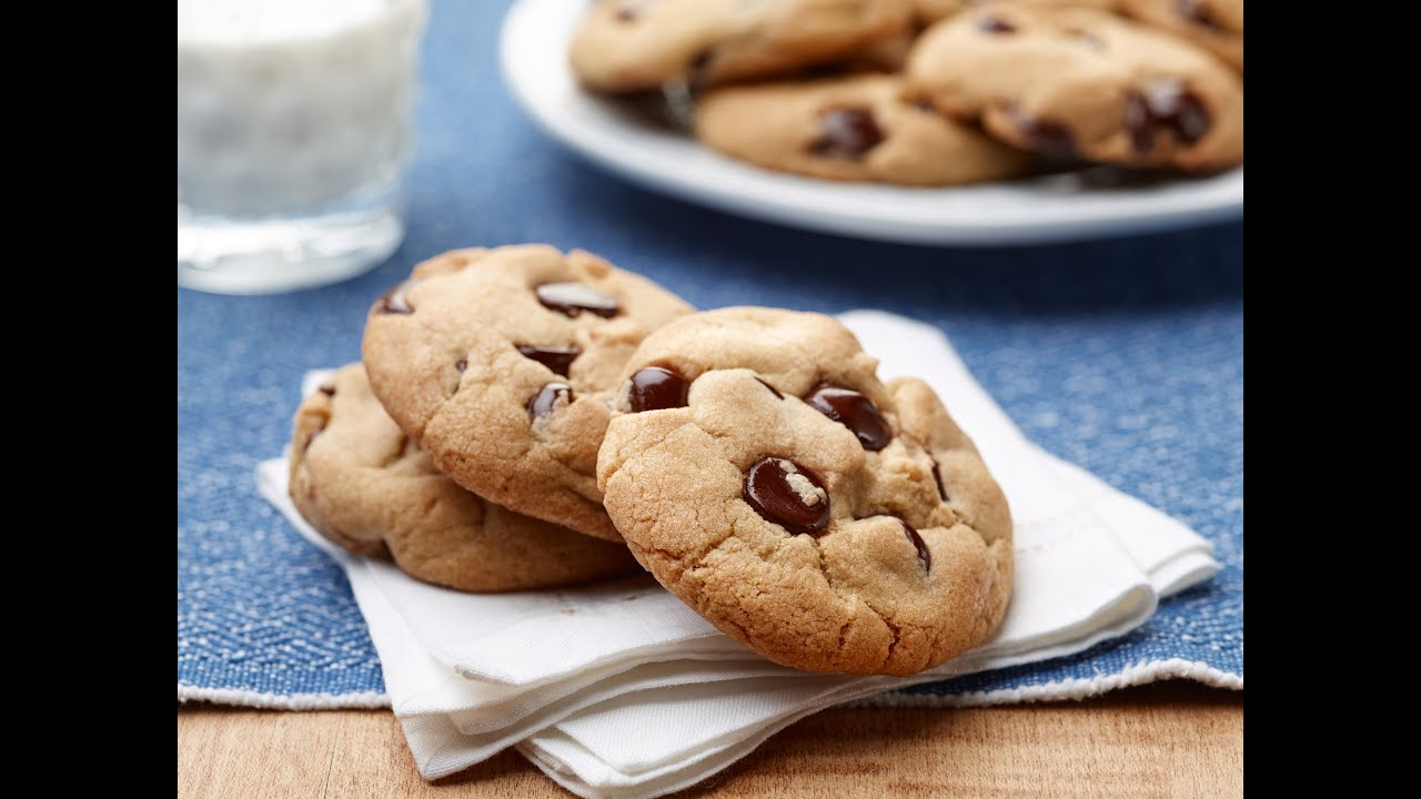 Simple Chocolate Sauce With Chocolate Chips