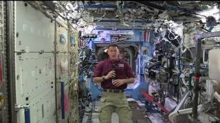 Space Station Commander Discusses Life in Space with Washington Students