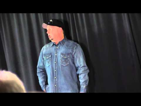 Country sensation Garth Brooks' Dublin press conference