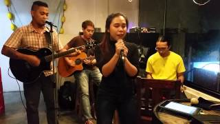 Buses And Trains - Bachelor Girl (Live Acoustic Cover by Serendipity VIII Band) Diane Llanes