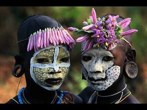 Как наряжают себя дикие племена. Необычная мода у диких племен Африки