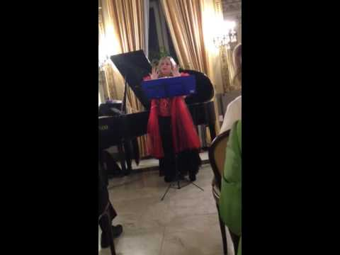 Ritorna Vincitor canta Antonia Giove