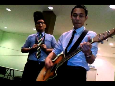 "Cover Version ""Tapi Bukan Aku"" By Idy Azyzy Feat Boy (Guitar)"