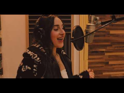 Kristhel Cianci - Afrika (Official Video)