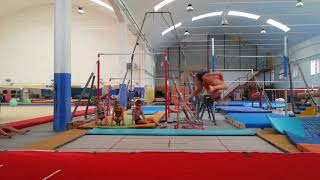 Capriola al trampolino GYMNASTICS CHALLENGE