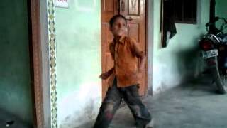 funny dance on ring ring ringa song