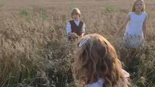 Бэкстейдж в пшеничном поле как проходят сЪемки и что из этого получается