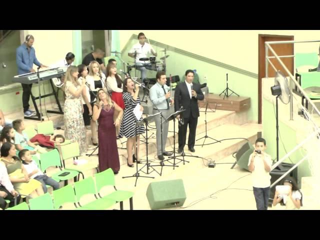 Hino com toda Igreja - AD Artur Nogueira na virada do ano 2014-2015