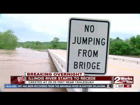 Illinois River starts to recede after setting a new flood record