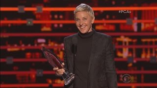Download Ellen Wins the People's Choice Humanitarian Award! Mp3 and Videos