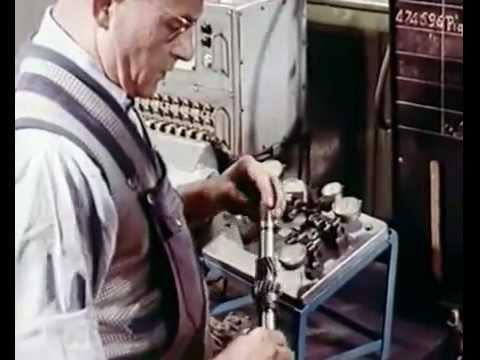 L'USINE PEUGEOT DE SOCHAUX EN 1954