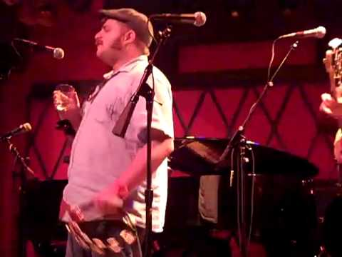 "Ian Axel Live at Rockwood Music Hall ""Girl I Got a Thing"""